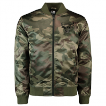 Casaco New Era Chicago Bulls Camo Sateen Bomber