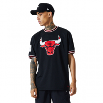 New Era Chicago Bulls NBA Oversized Applique T-shirt
