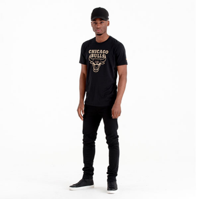 New Era Chicago Bulls Black and Gold Graphic Tee